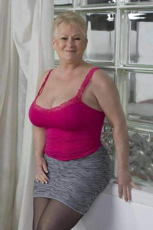 безпрестанно стонала фото зрелых пожилых женщин предложение